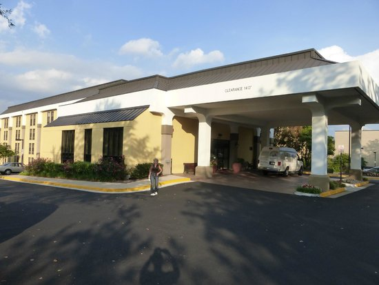 Hampton Inn Alexandria/Pentagon South: Hotel Aussenansicht