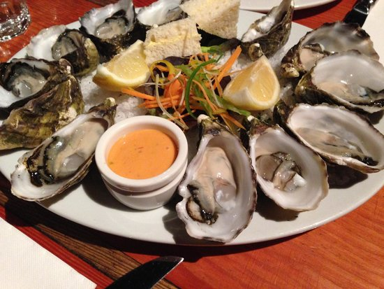 Ball and Chain Grill : Oysters