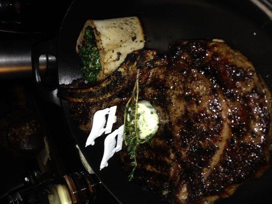 Bally's Steakhouse: HUGE RIB EYE STEAK!