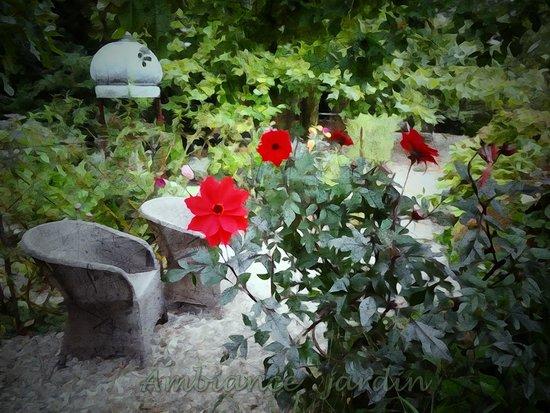 Ambiance noel au petit d jeuner photo de ambiance jardin for Ambiance jardin diebolsheim