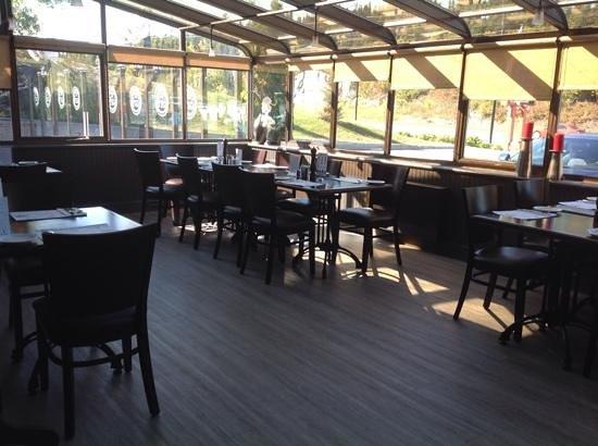 Restaurant Bar Les Trois Barils: salle pour groupe