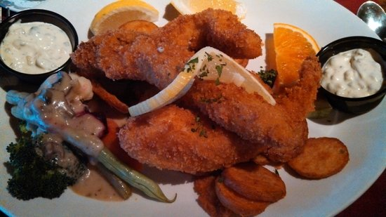 Adobe Restaurant and Lounge: Fish and Chips