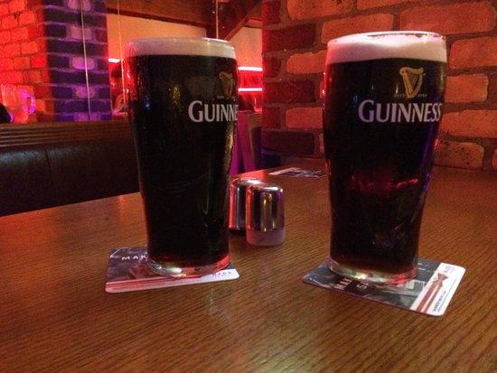 O'connells Bar : Guinness