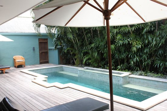 Sienna Villas: Refresh and  Relax Pool side