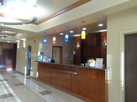 SpringHill Suites Victorville Hesperia: lobby