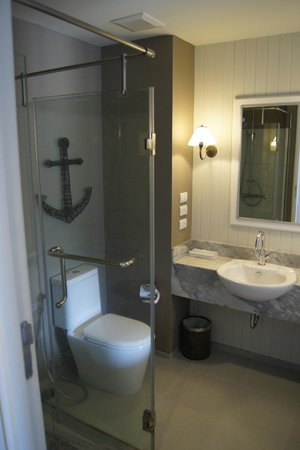 Sugar Marina Resort - Nautical - Kata Beach : Bathroom