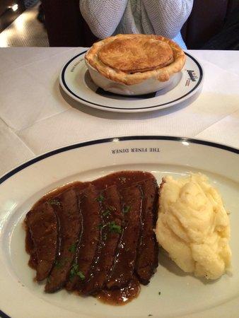 Brooklyn Diner : Chicken Pot pie & Pot roast