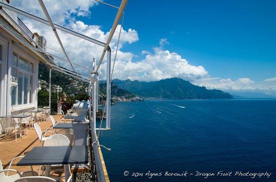 Hotel Belvedere: restaurant deck and breakfast area