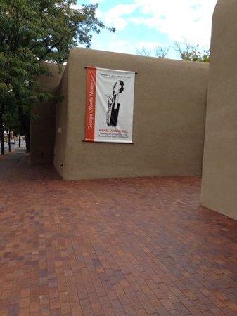 Georgia O'Keeffe Museum: exterior on a Sunday
