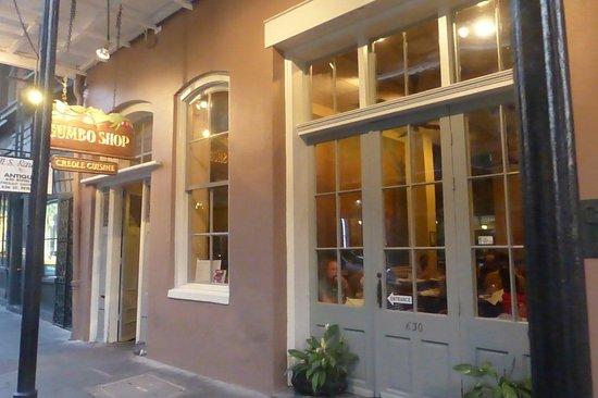 Roberts Gumbo Shop: moyen