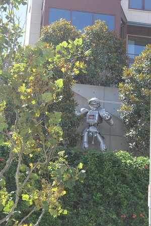 Pacific Heights : And the robot again