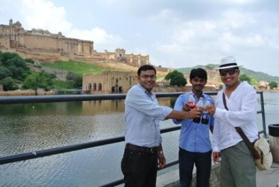 Amin Tours Day Tours: amber fort
