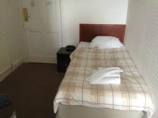 Chase Hotel: single room