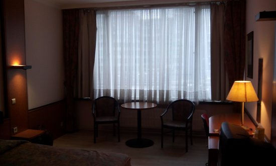 Chao Chow Palace: room