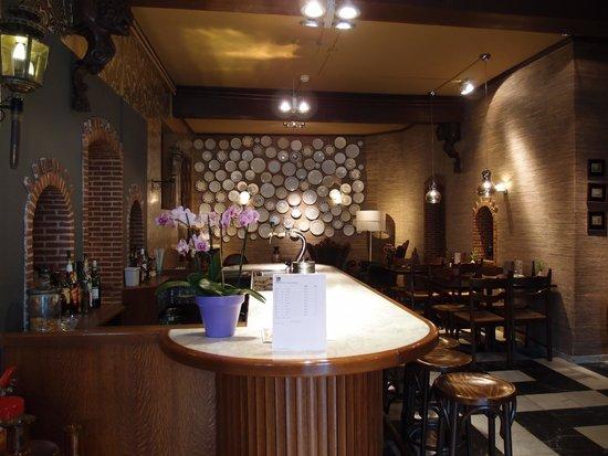 City Hotel Nieuw Minerva: bar and restaurant