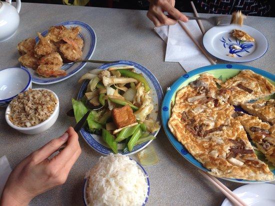 Lakeside Palace Chinese Restaurant : Yum!