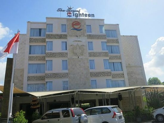 The Royal Eighteen Resort and Spa: ホテル外観