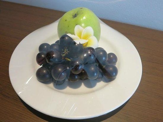 The Royal Eighteen Resort and Spa: サービスの果物