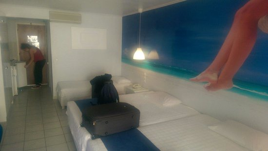 Filoxenia Hotel: Mine and my kids room, number 207!