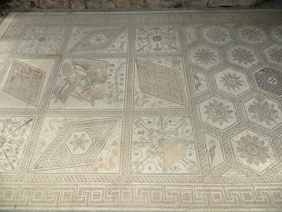 Mosaico romano picture of floor mosaic the punishment of for Mosaico romano