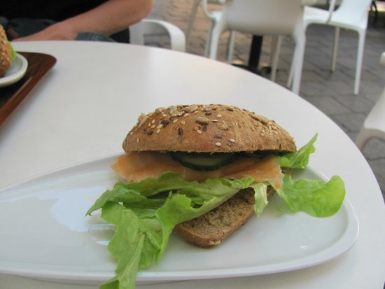 Fresh Choice: Salmon on dark bread