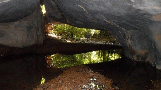 Kurakura Homestay: Nearby caves - optional day walk