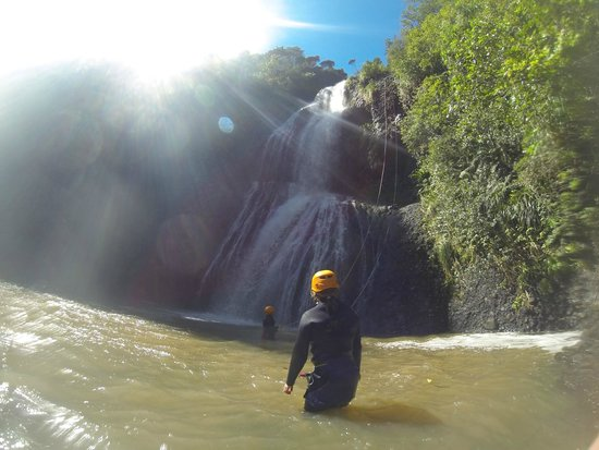 AWOL Canyoning Adventures : Waterfall abseil @ Piha Full day trip