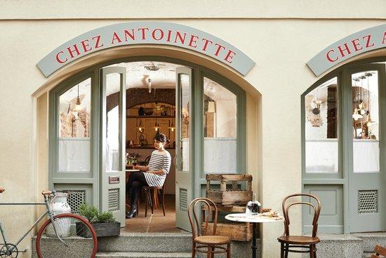 Chez Antoinette Exterior (111966165)