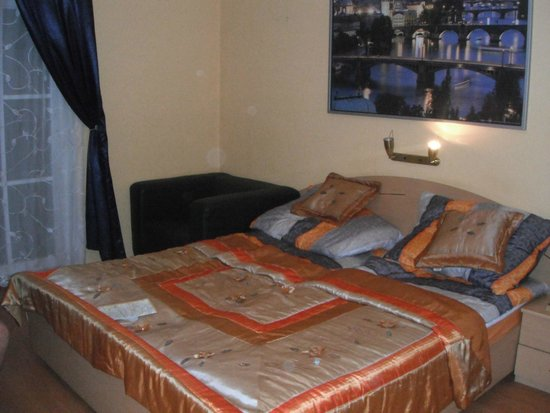 City Crown Hotel: Lovely large bedroom
