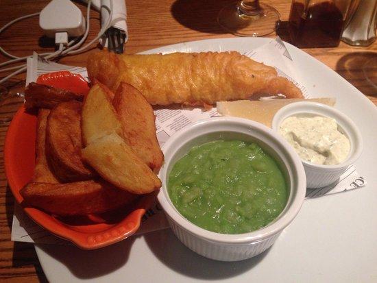 The Inn at Grasmere: Fish & Chips @ the Bar/Restaurant