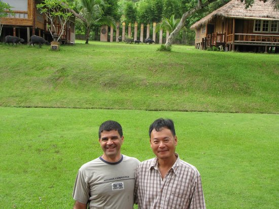 Huai Khum Resort: With the owner