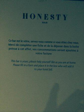 Le Mathurin Hotel & Spa Paris: Honesty Bar