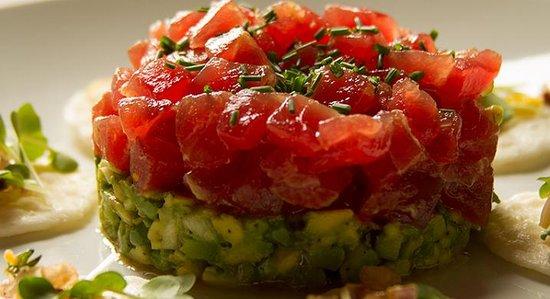 Ostreria & Sushi De Mercado: Tartar de Atun Rojo con aguacate