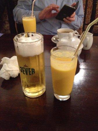 Jaipur: bier, mango-lassi (und das smartphone von meinem chef)