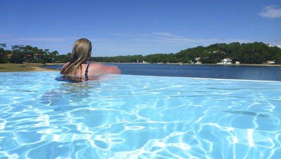 Les Hortensias du Lac : Infinity Pool