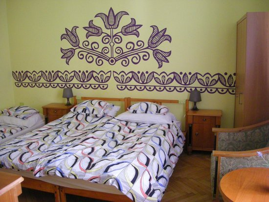 Budapest Budget Hostel: Our nice room