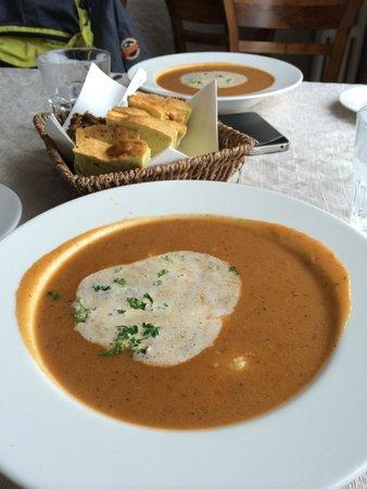 Rauda Husid: Seafood soup