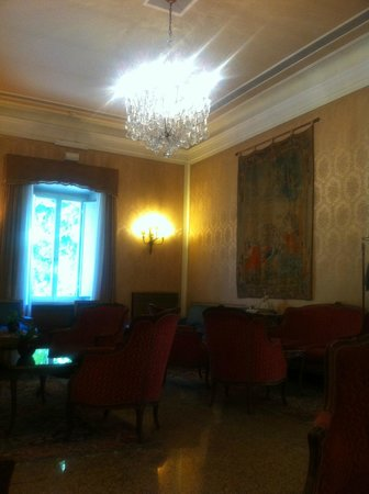 Hotel Giulio Cesare: Seating area