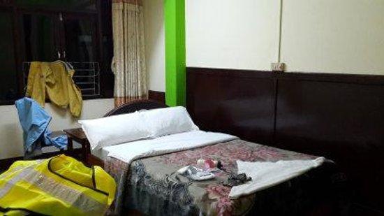 Hotel Yala Peak: clean room