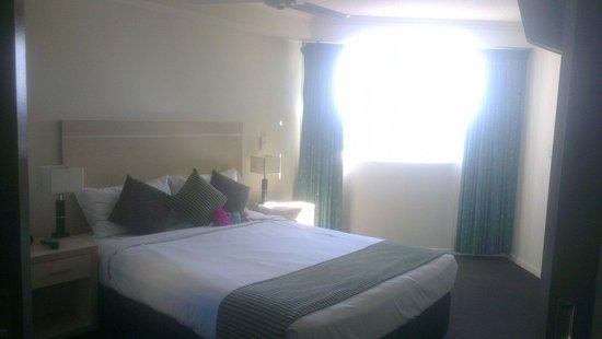 Alpha Sovereign Hotel : Bed room