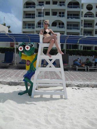 Aquamarina Beach Hotel: Пляж