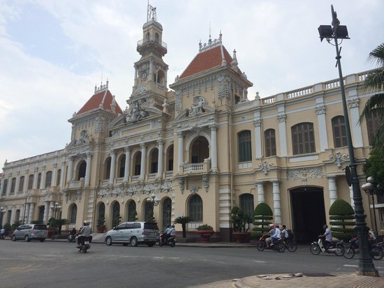 Ho Chi Minh Squares : City council