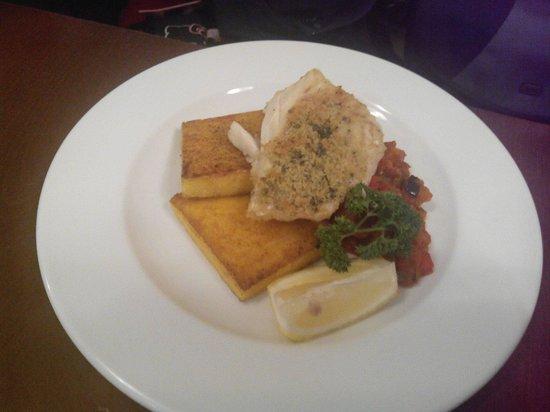 Dynia Resto Bar: Filet de cabillaud ratatouille
