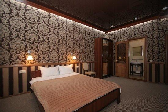 Carlson Hotel