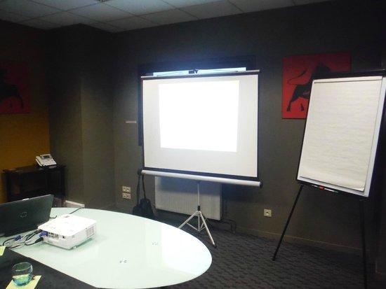 salle reunion picture of le carre blanc saint herblain tripadvisor. Black Bedroom Furniture Sets. Home Design Ideas