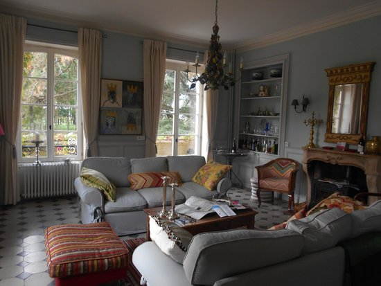 Chateau Mirande: Living Room