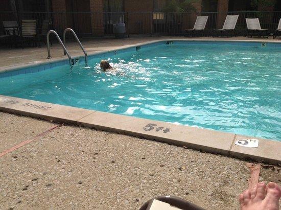 Quality Inn Exit 4: pool