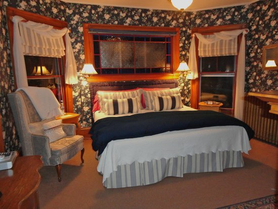 Greenville Inn at Moosehead Lake: Historic accommodations with modern amenities
