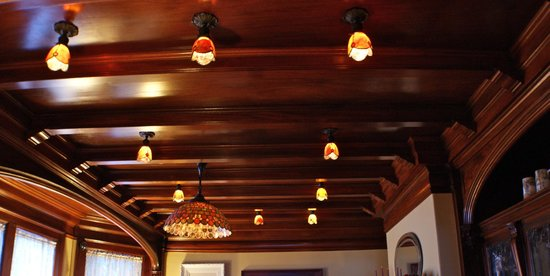 Greenville Inn at Moosehead Lake: Rare woodwork & light fixtures