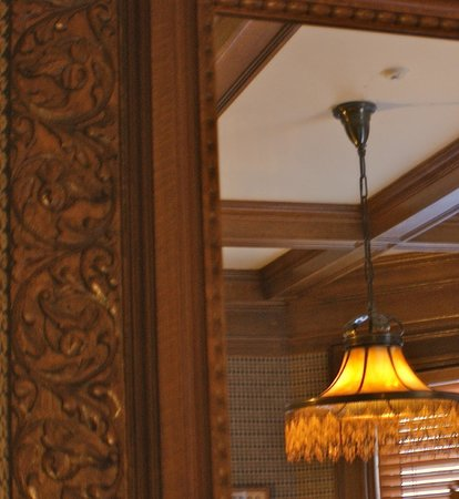 Greenville Inn at Moosehead Lake: Rarewood & Antique Light fixtures
